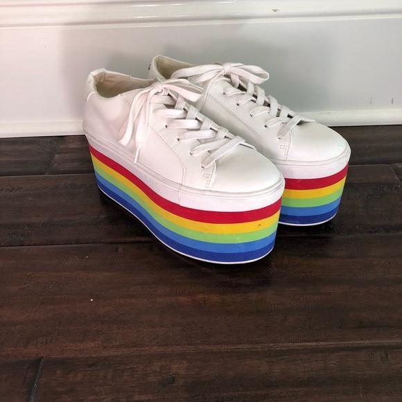 608c6bc9b20 Steve Madden Platform Rainbow Sneakers Size 8. M 5ab6dc0e3800c5e13e7da79e